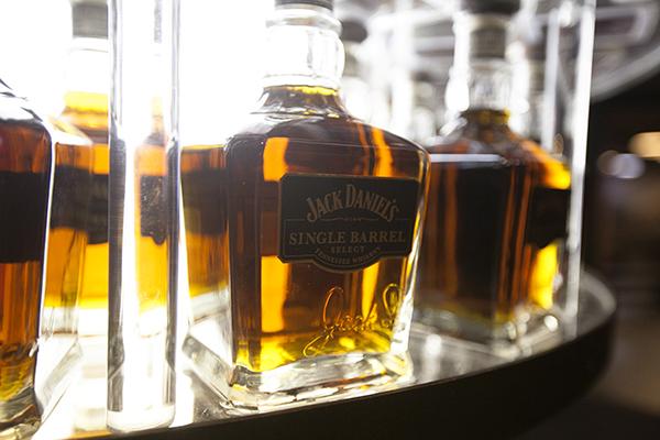 Jack-Daniels-07